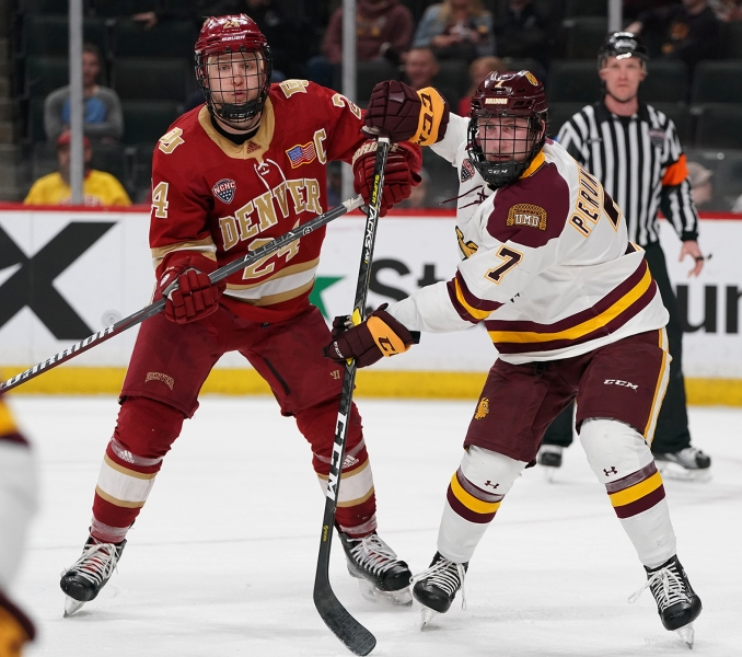 2019-03-22 NCHC UMD vs Denver RSO04571 1.6 MB