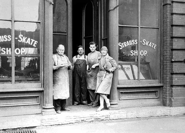 Strauss+on+165+W+Kellogg+1938