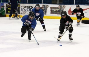 Kids play in an American Development Model-style practice. (Photo / USA Hockey)