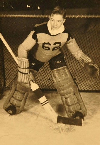 Willard Ikola as an Eveleth Golden Bear. (Photo courtesy of Ikola Archives - VintageMinnesotaHockey.com)