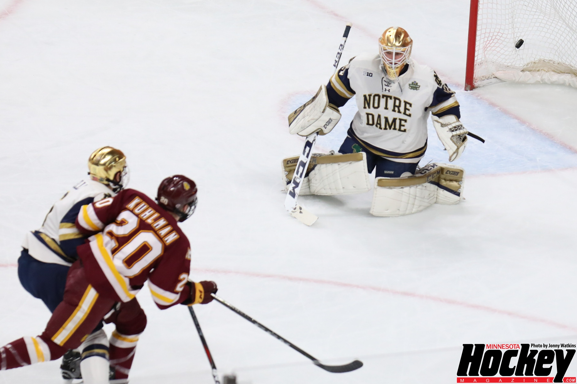 Frozen Four: Late goal lifts Notre Dame to title game