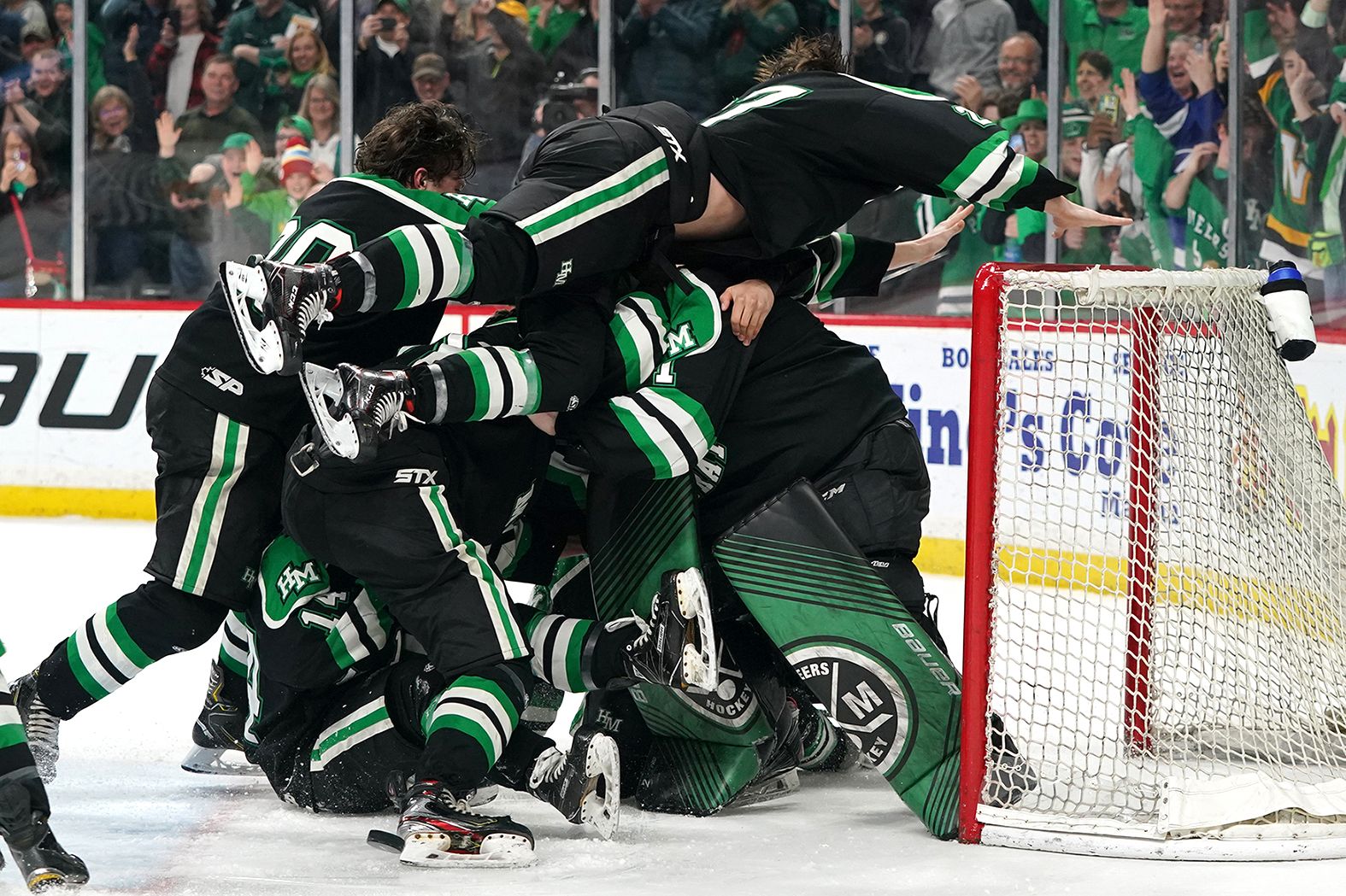 2020-03-07 EP Boys Hockey vs Hill Murray RSO07689 1.6 MB